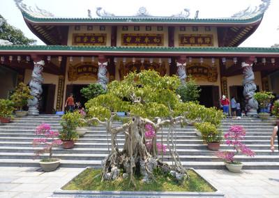 Bonsai Linh Ung Temple
